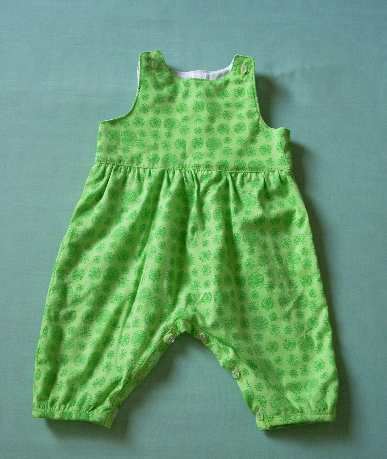 Umme yusuf month of sewing a simple baby romper and a baby month of sewing a simple baby romper and a baby peasant shirt jeuxipadfo Gallery