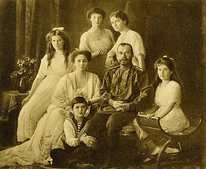 A família foi executada pelos bolcheviques em 1918.