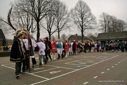 Carnaval Optocht Josefschool overloon 17-02-2012 (10).JPG