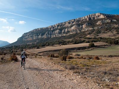 Tram de pista rodadora, al vessant sud del Montsec