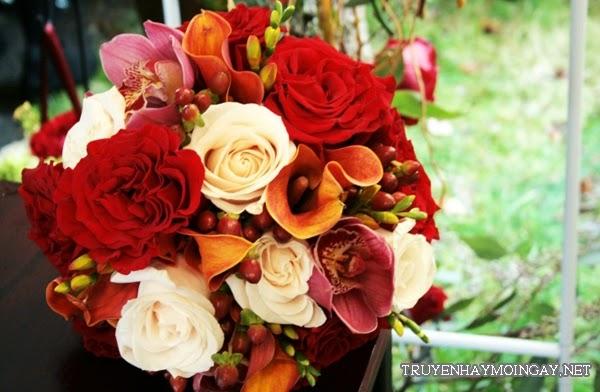Hoa Cưới Cầm Tay Mùa Thu Ấm Áp Và Lãng Mạn