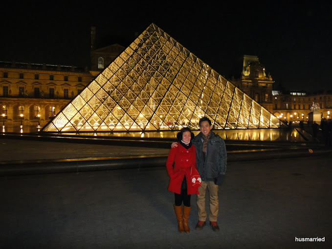 Mr. & Mrs Hu at Louvre (2)