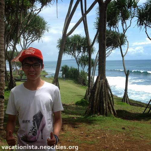 Billy pose at Batu Hiu