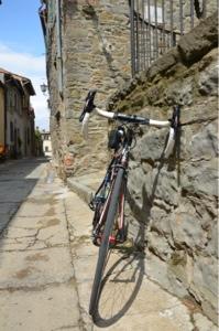 carbon road bike rental in cortona