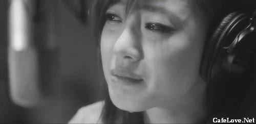 Ảnh con gái xinh đẹp đang khóc