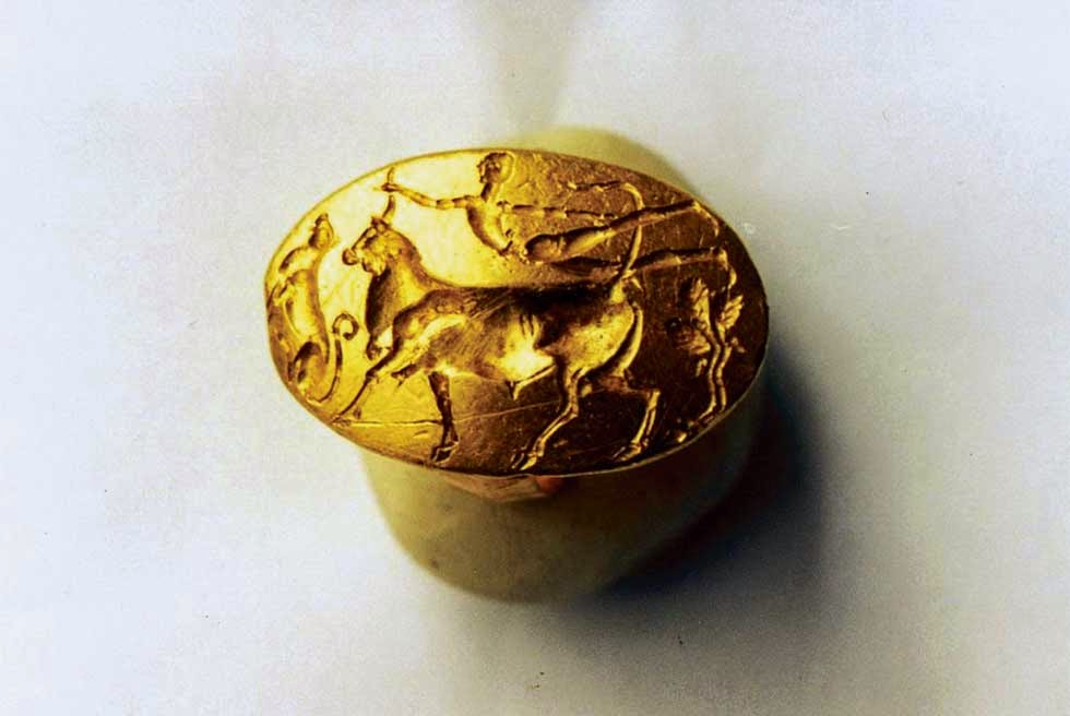 Heritage: Theseus Ring goes on display for the first time