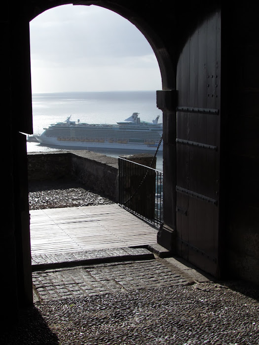 Independence of the seas from Pico fortress