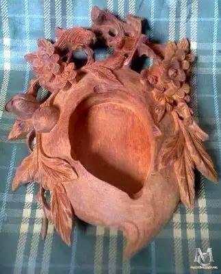 Gạt tàn quả đào gỗ hương mẫu 1