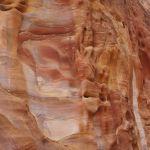独特の色をしているペトラの岩壁
