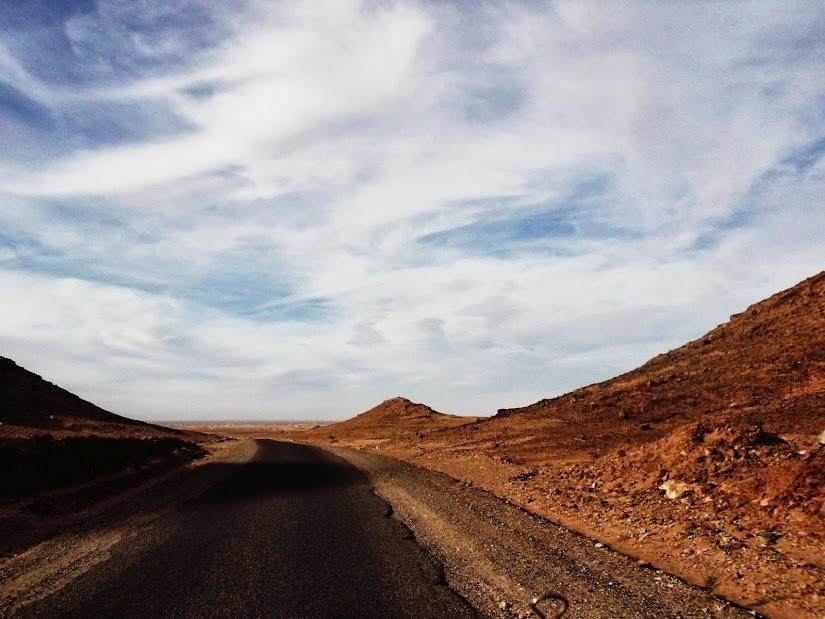 Marrocos e Mauritãnia a Queimar Pneu e Gasolina - Página 12 DSCF1435