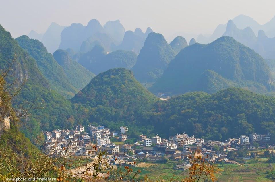 Пейзаж с вершины Лунного Холма (Moon Hill) захватывает дух. Как мы отдыхали в Яншо. Кроме сплава на бамбуковом плоту, катались на велосипедах и на мопеде
