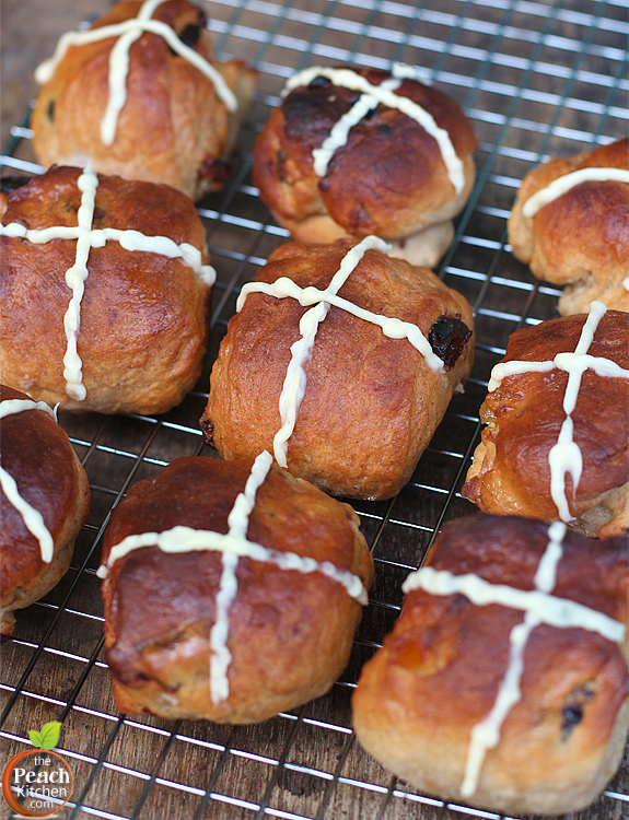 Dates and Orange Peel Hot Cross Buns | www.thepeachkitchen.com
