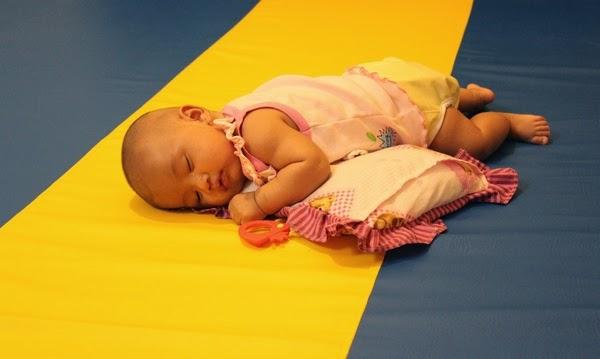 Bayi Tengkurap Dedek Diana