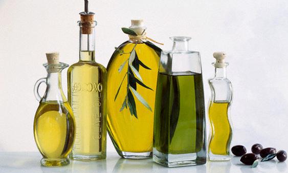 công thức trộn kem dưỡng trắng da mặt với dầu oliu