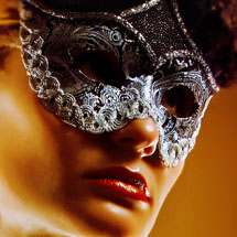 Máscara de prateada