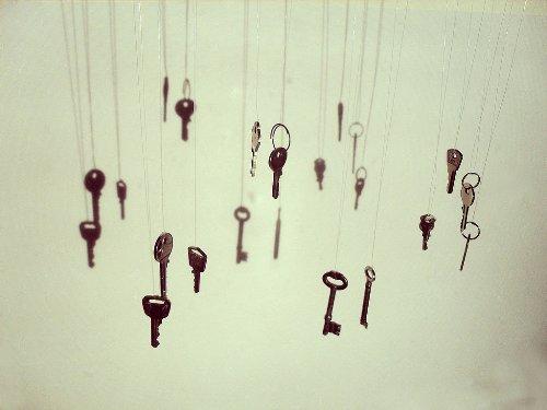 Rèm cửa bằng những chiếc chìa khóa cũ