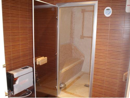Puertas Para Baños De Vapor: de tomar la sesión de vapor y una ducha dentro de la habitación para
