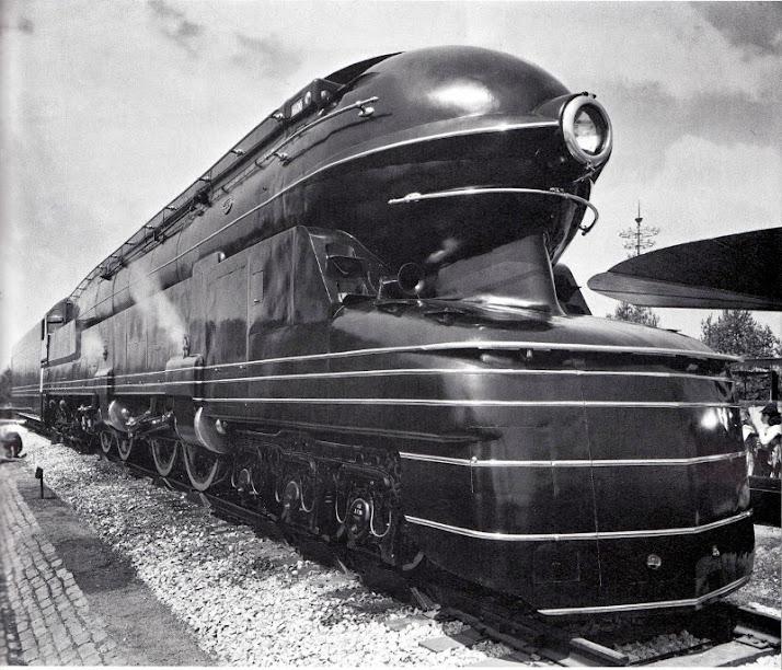 Spot a Style: Streamline Moderne Henry Dreyfuss Train