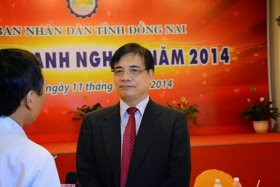 P.Giáo sư tiến sĩ Trần Đình Thiên - Thành lập doanh nghiệp Đồng Nai
