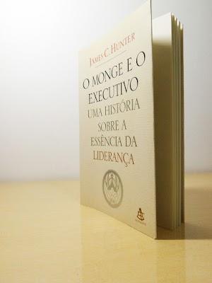 """Livro """"O Monge e o Executivo"""" - Foto por Elson Diogo Masuzawa"""