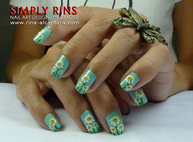 Dainty Daisies nail art design 04