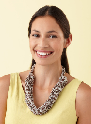 Two stitch knit necklace: http://marthastewart.lionbrand.com/patterns/L10111.html
