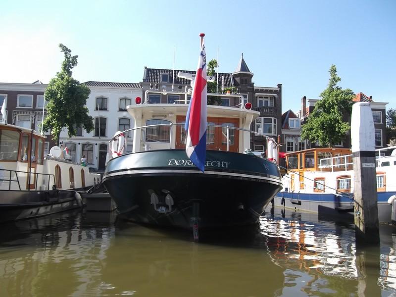 Dordrecht Imbarcazione