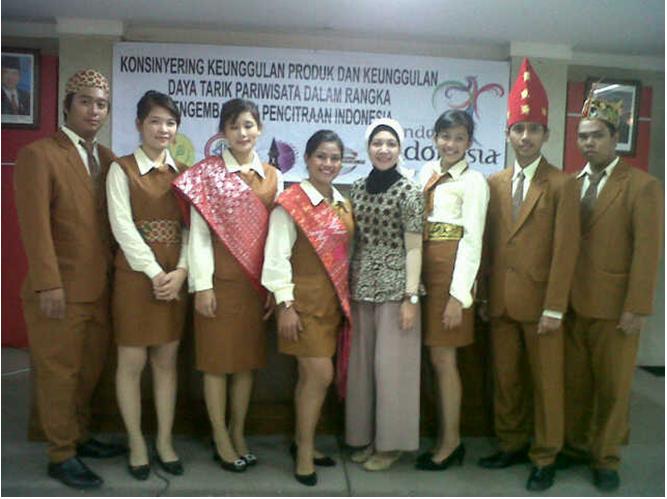 Keunggulan Pariwisata Indonesia 2013-2014 Oleh Kementrian Pariwisata dan Ekonomi Kreatif