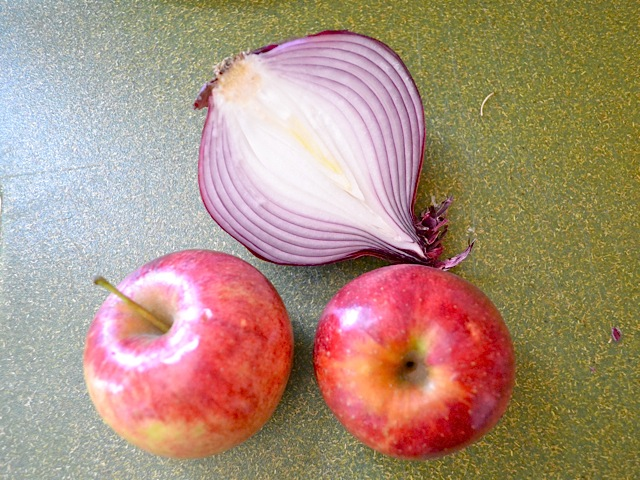 onion and apples