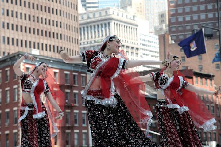 MAYURI DANCE GROUP - Page 2 Mayuri%2520Dance%2520Co%252024
