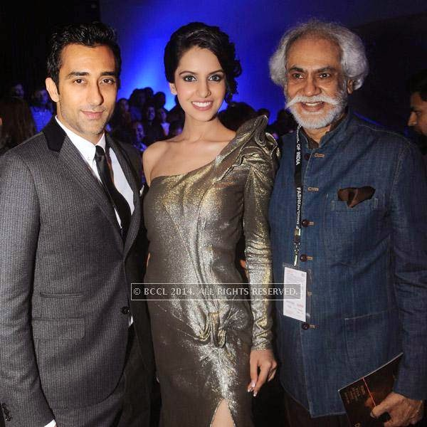 Rahul Khanna, Koyal Rana and Sunil Sethi at Gaurav Gupta's show, held in Delhi.