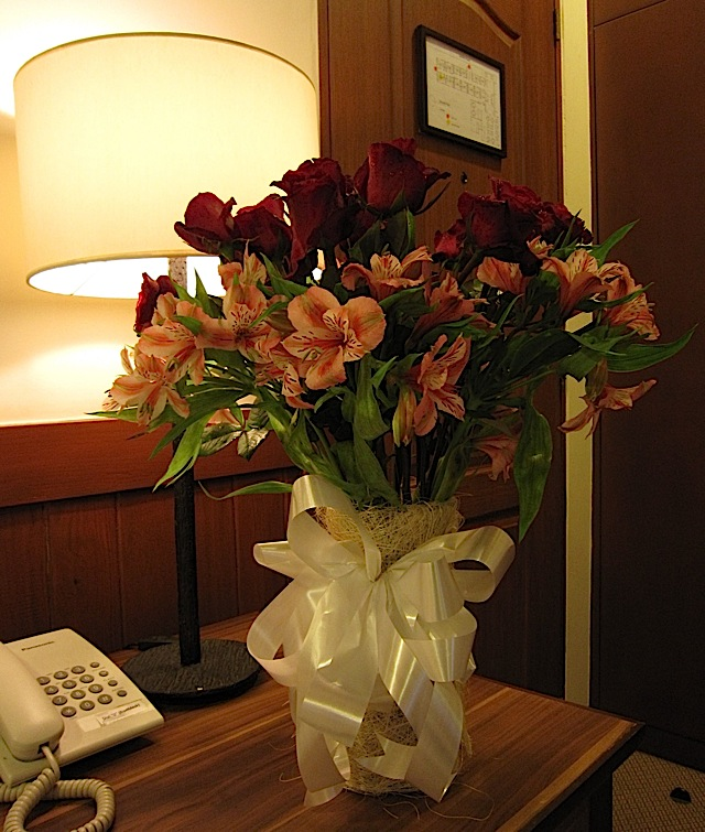 bouquet of roses and lilies from Sari