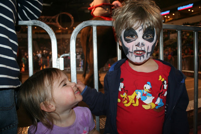 Face painting in less than a minute.