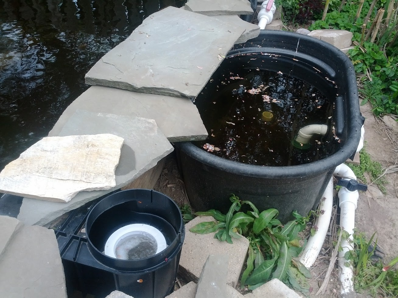 Document moved for Gravity fed pond filter