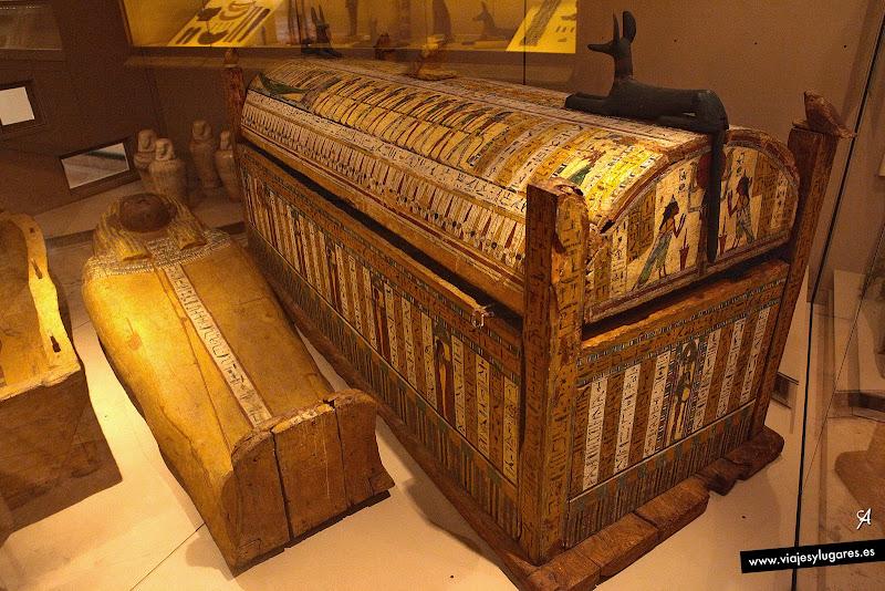 Sarcófago-caja de Usai. Cultura egípcia