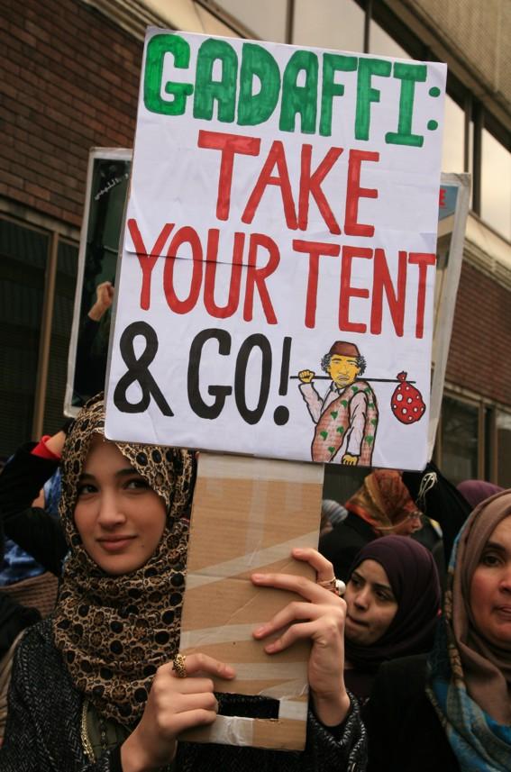 https://lh4.googleusercontent.com/-5p2BTcw-XUY/TX6MOs5bMQI/AAAAAAAADs4/ycaaQ06iHPw/s1600/gaddafi-go.jpg