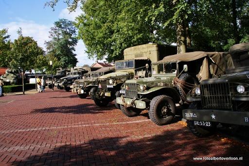 OVERLOON 08-10-2011 Officiële tankoverdracht (1).JPG