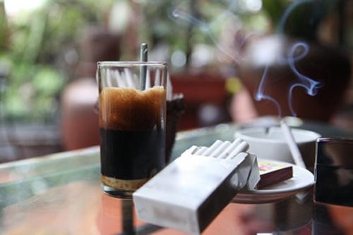 Thơ tâm trạng bên ly cà phê