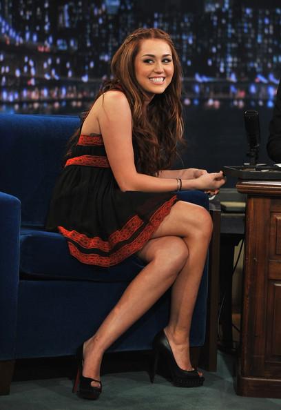 Miley_Cyrus_Hollywood_hot_actress