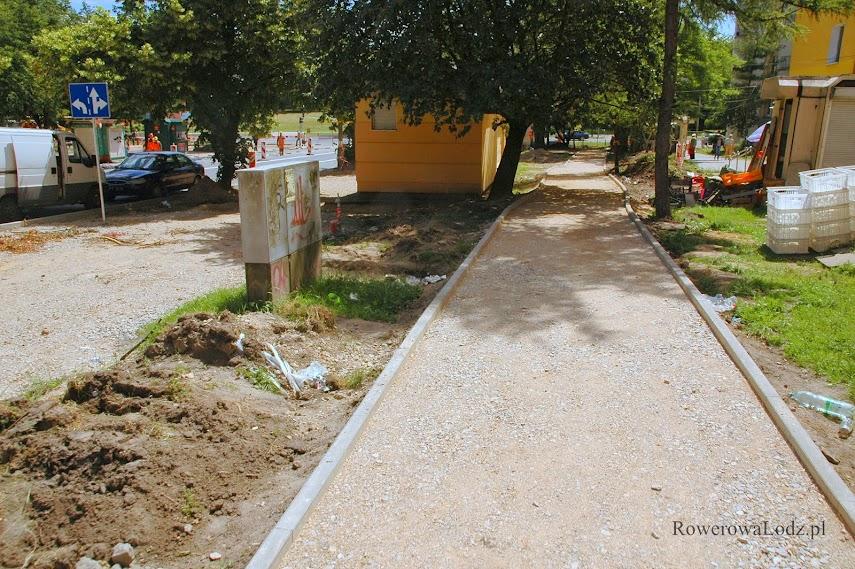 Zachodnia droga dla rowerów wzdłuż ul. Spornej.
