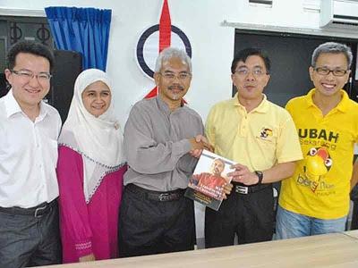 Suami, isteri buktikan DAP bukan untuk bukan Melayu sahaja