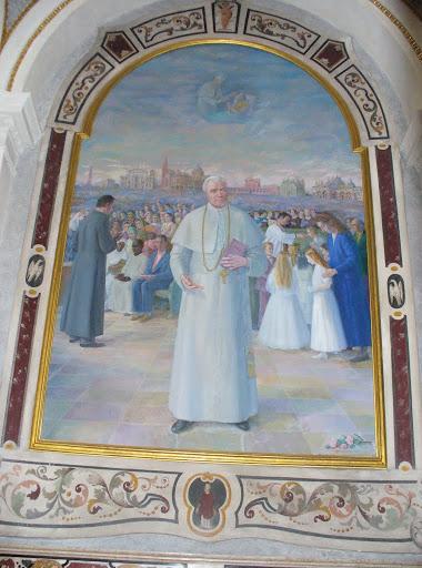Pala d'altare dedicata a San Pio X della Cattedrale di Mantova