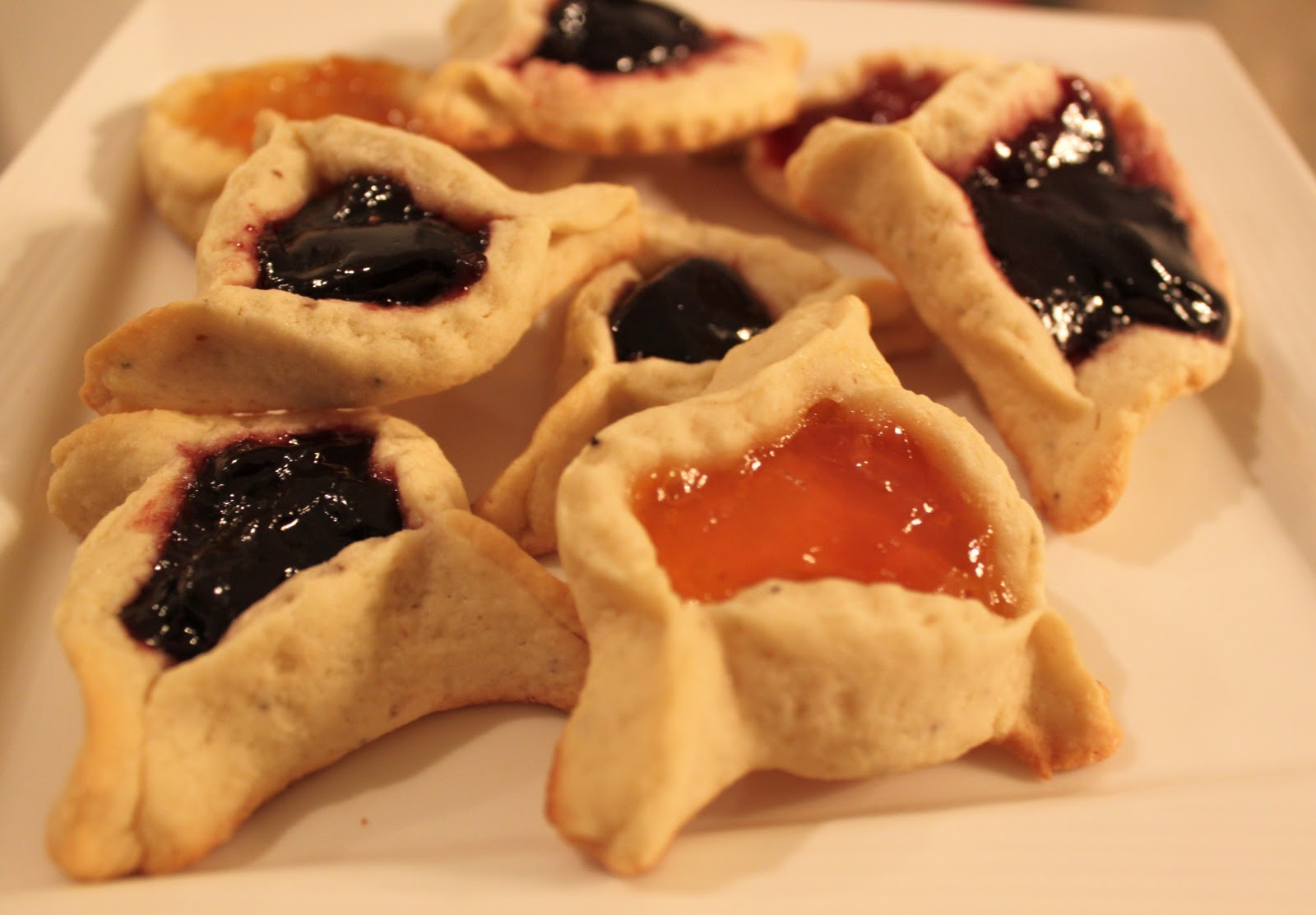 hamentashen jewish cookies filled fruit what 39 s cookin 39 italian style cuisine. Black Bedroom Furniture Sets. Home Design Ideas