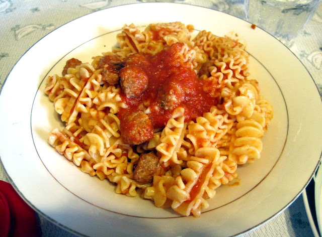 Radiatori with Small Meatballs (Radiatori con Polpettini) – Scordo Pasta Challenge #114