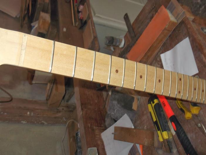 Construção guitarra telecaster, meu 1º projeto bolt on. Finalizado e com vídeo - Página 2 DSCF0884