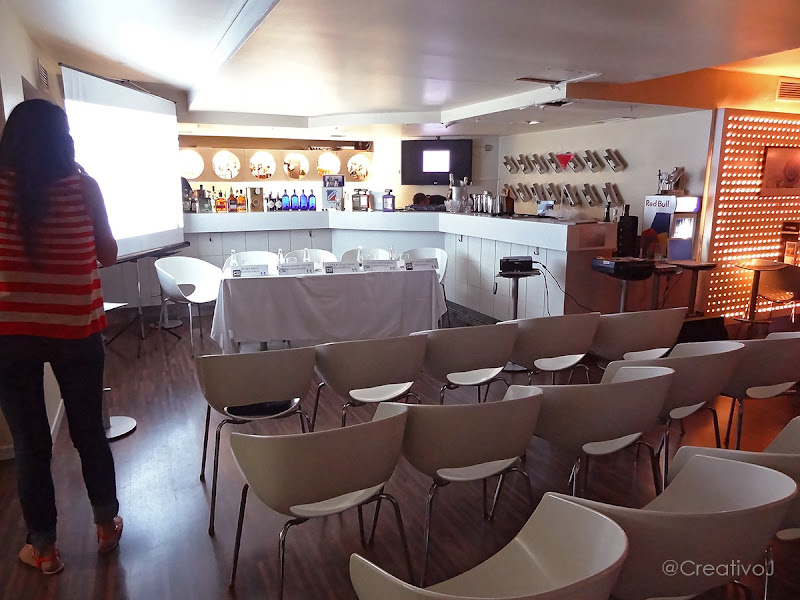 Tapas&Tweets, Glacé Cocktails, Cordoba, sillas, proyector, pirendo