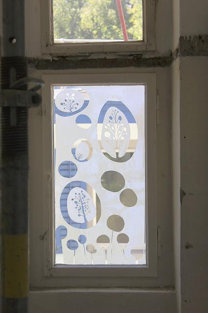 Folie für badezimmerfenster  mach etwas : : : . . .: Fenster mit Folien-Scherenschnitt