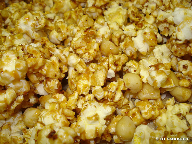 Caramel Popcorn with Macadamia Nuts
