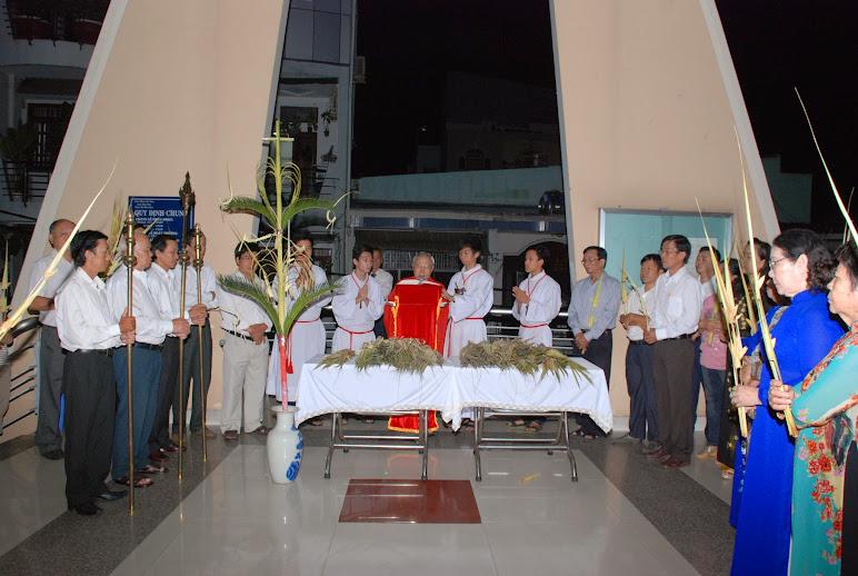 Giáo xứ Phú Hòa: Thánh lễ Lá và Khai Mạc Tuần Thánh
