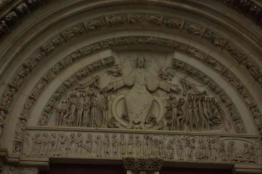 Vézelay (basilique Sainte-Marie-Madeleine : tympan du Jugement dernier sur le portail central de la façade)